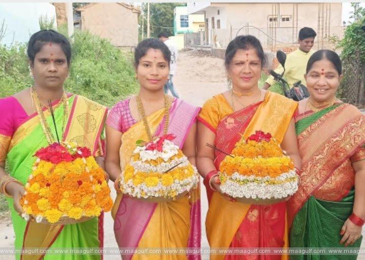 తెలంగాణలో ఘనంగా బతుకమ్మ సంబరాలు