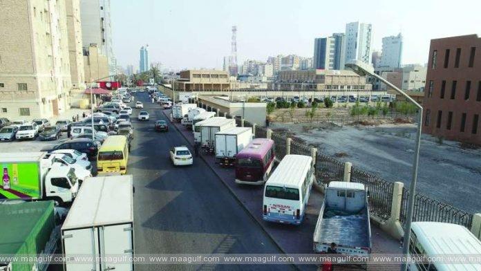 Heavy duty trucks, equipment disturb Farwaniya residents